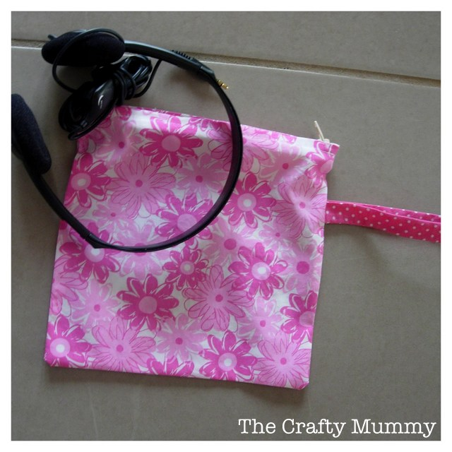 school head phone bag