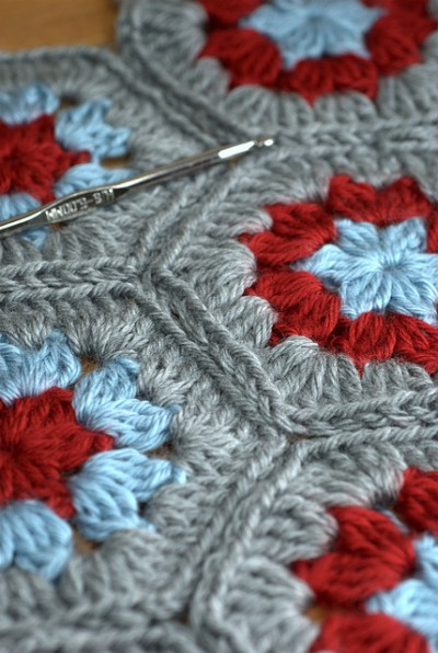 hexagon crochet grey blue red