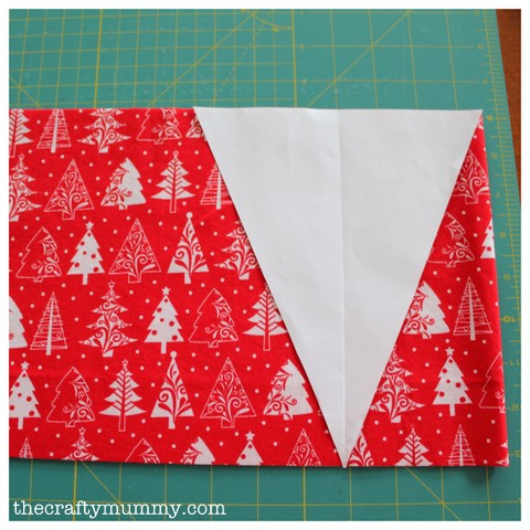 bunting tutorial cutting fabric