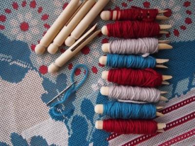 storing thread yarn wooden pegs