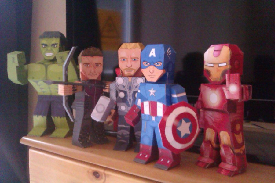 Fold these cool paper superheroes from free PDF printable pages including Captain America and the Hulk.