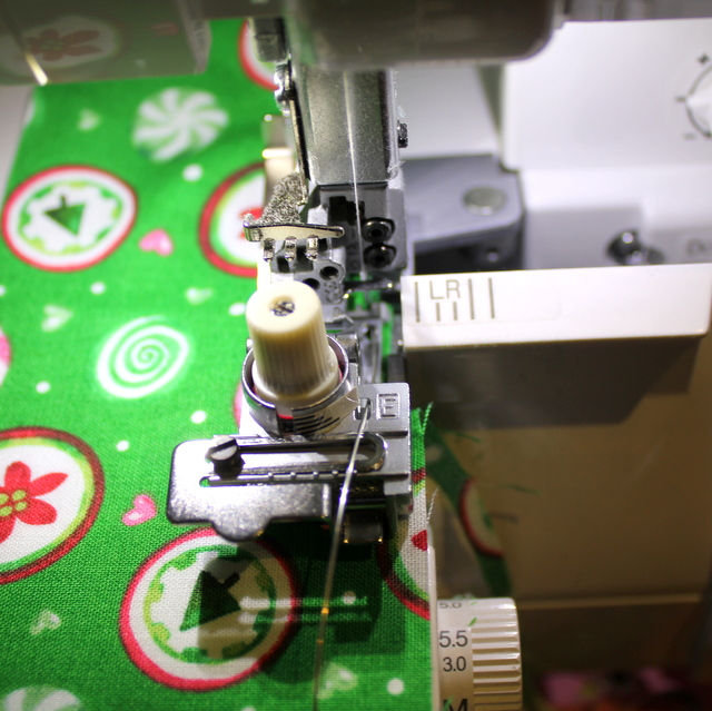make wired ribbon with overlocker serger