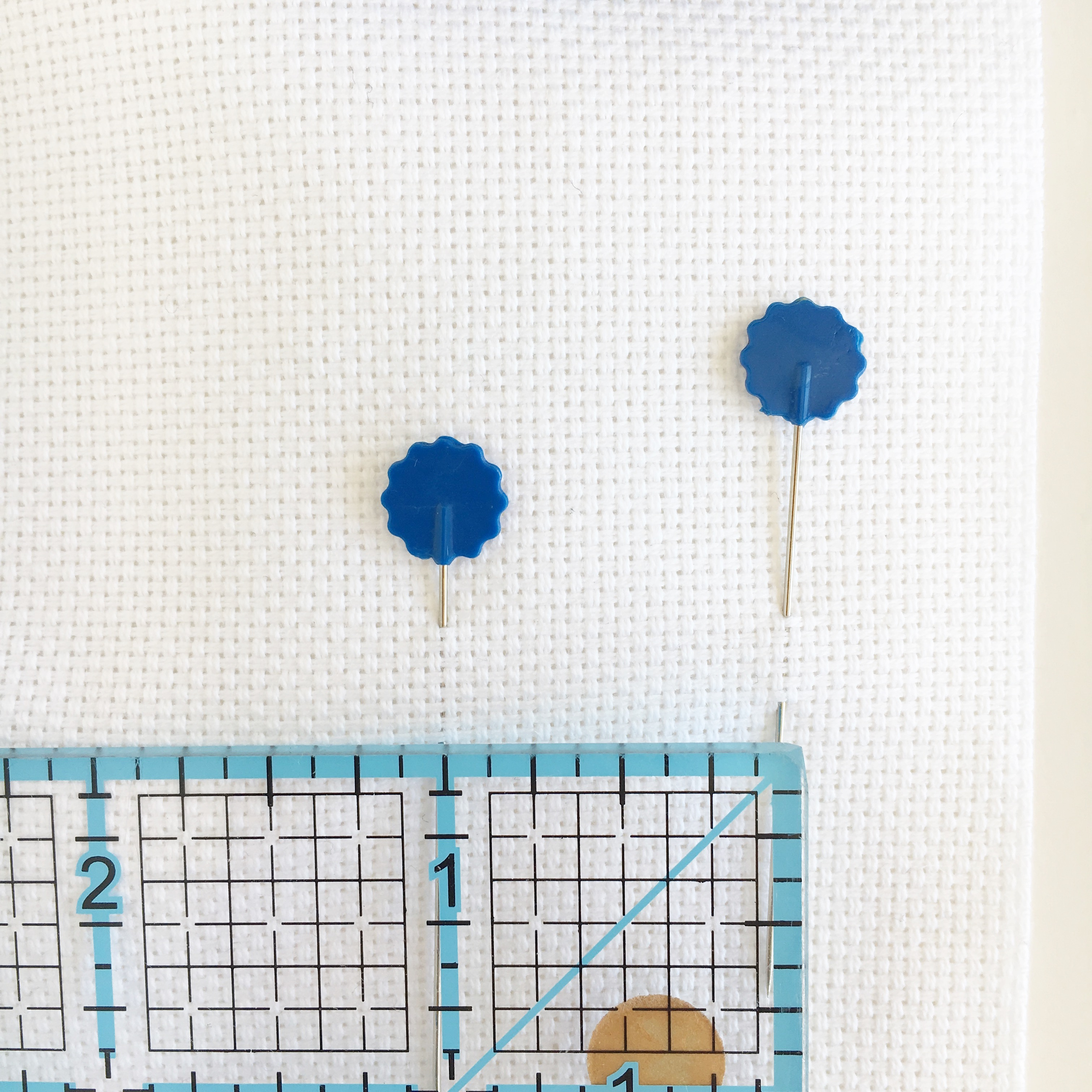 Which count Aida cloth should I use for my cross stitch? • The ...
